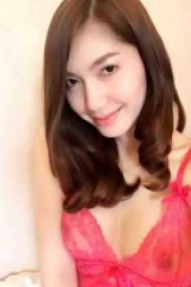 Call girl Singapore Mia (22 yrs, Doha)