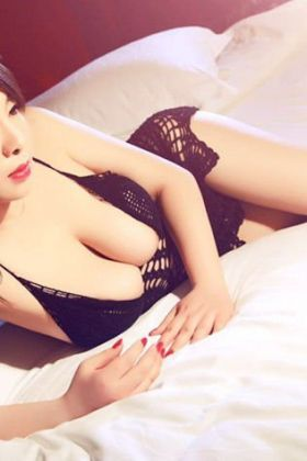 Call girl Christine New Girl (25 yrs, Doha)