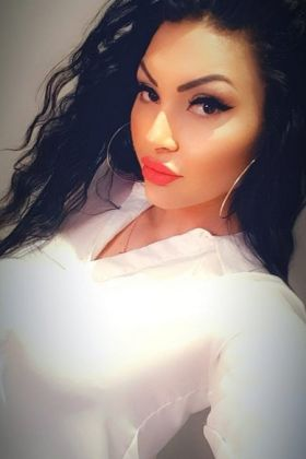 Call girl Lebanese Hottie, (20 year, Doha)