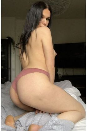 Call girl, Lara Sex Cam Model, 27 year, Doha, Qatar