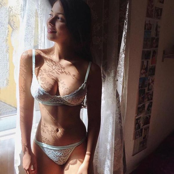 Michelle, mature escort, 25 years old