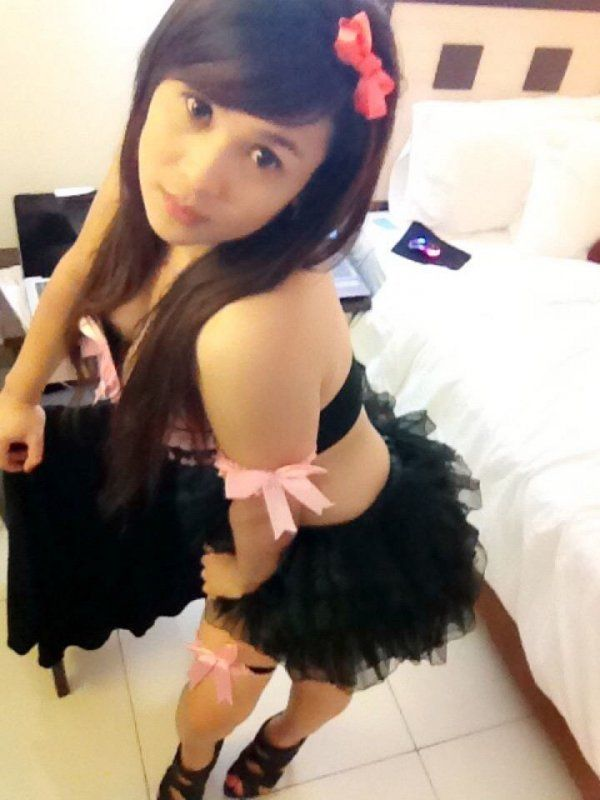 Asian escort in Doha for classic and oral sex for QAR 3700