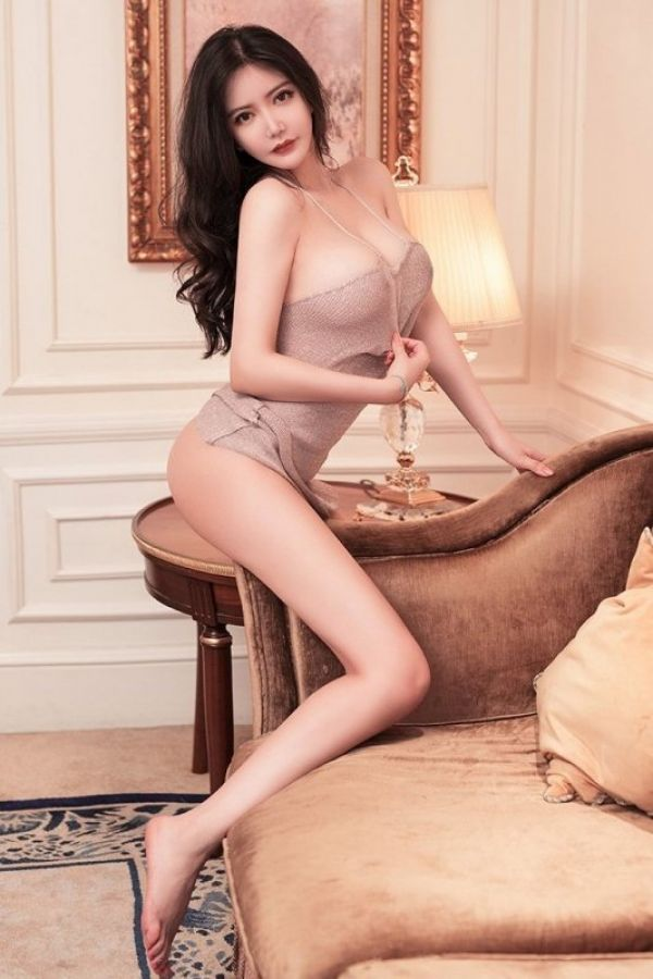 Massage girl in Doha: Nuru Mistress Gina (23 y.o.)