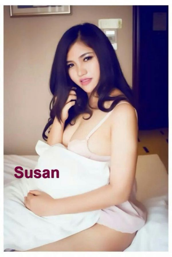 Escort Busty Susan in Doha for massage