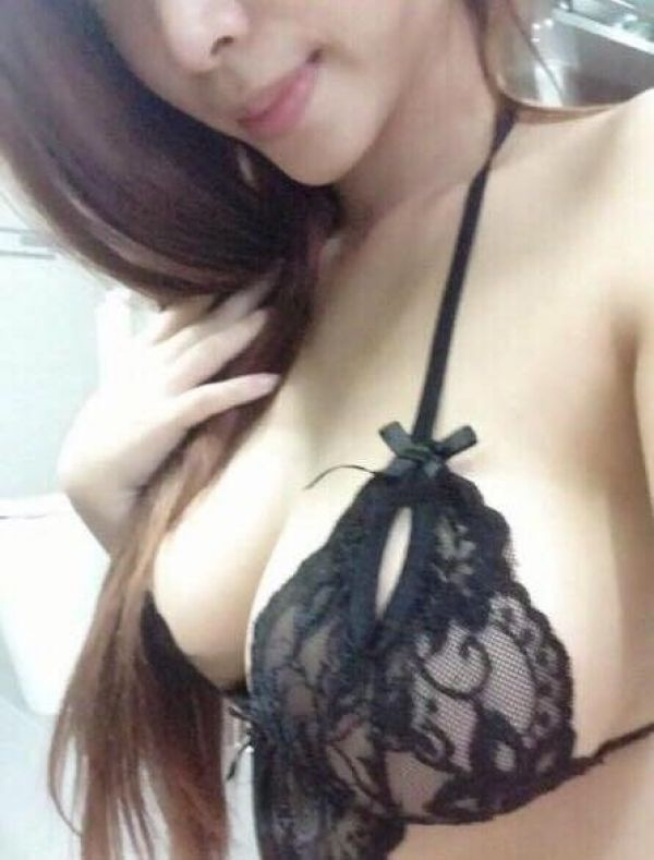 Adult escort services from Amily available 24 7