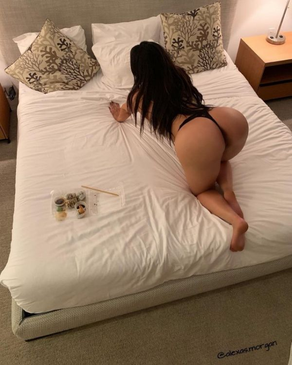 Joanna - 22 year-old milf escort in Qatar