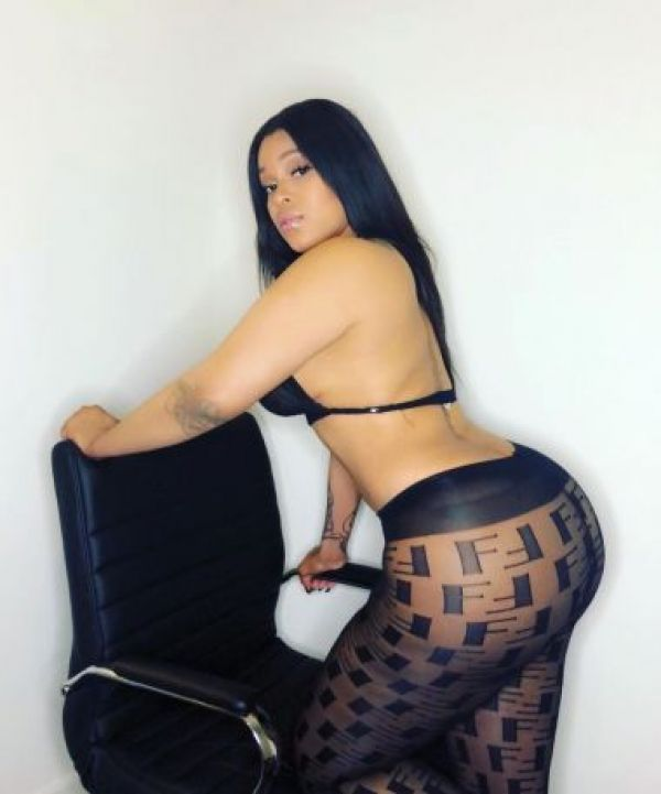 Hottest Mira, mature escort, 25 years old