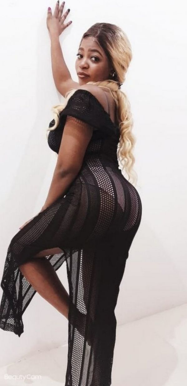 Pornstar escort in Doha available on Sexdoha.club for kinky gentleman