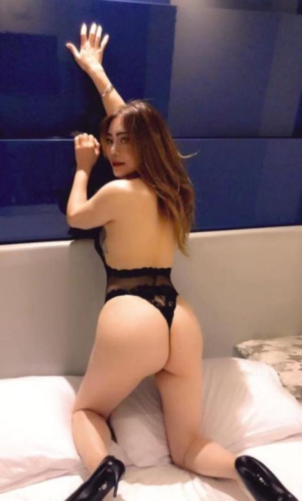 One of the kinkiest eastern escorts - Linda will make a blowjob for QAR 1600